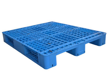 4 Way Rackable Plastic Pallets 3 Skid Runners Easy Cleaning ISO Certification
